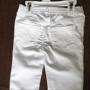 OshKosh B'gosh Bottoms - ❌SOLD❌Oshkosh Baby Stretchy Jeans In White - 3T